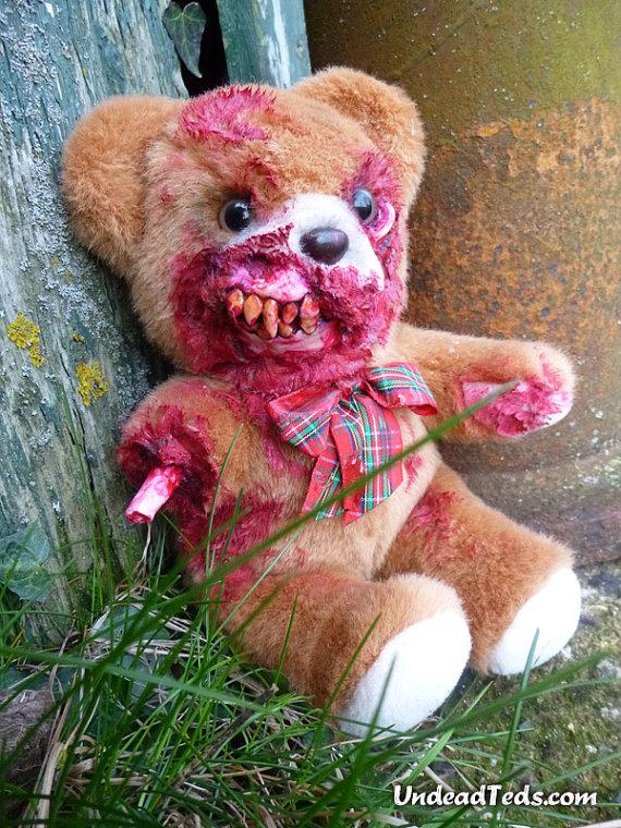 pluszowe-zombie-maskotki-krwawe-02