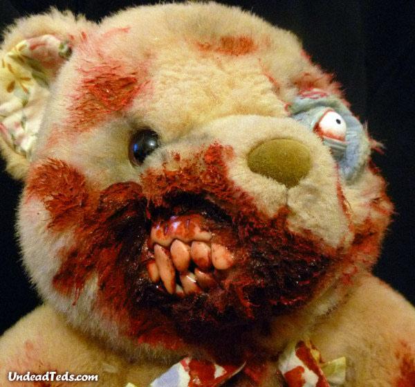 pluszowe-zombie-maskotki-krwawe-08