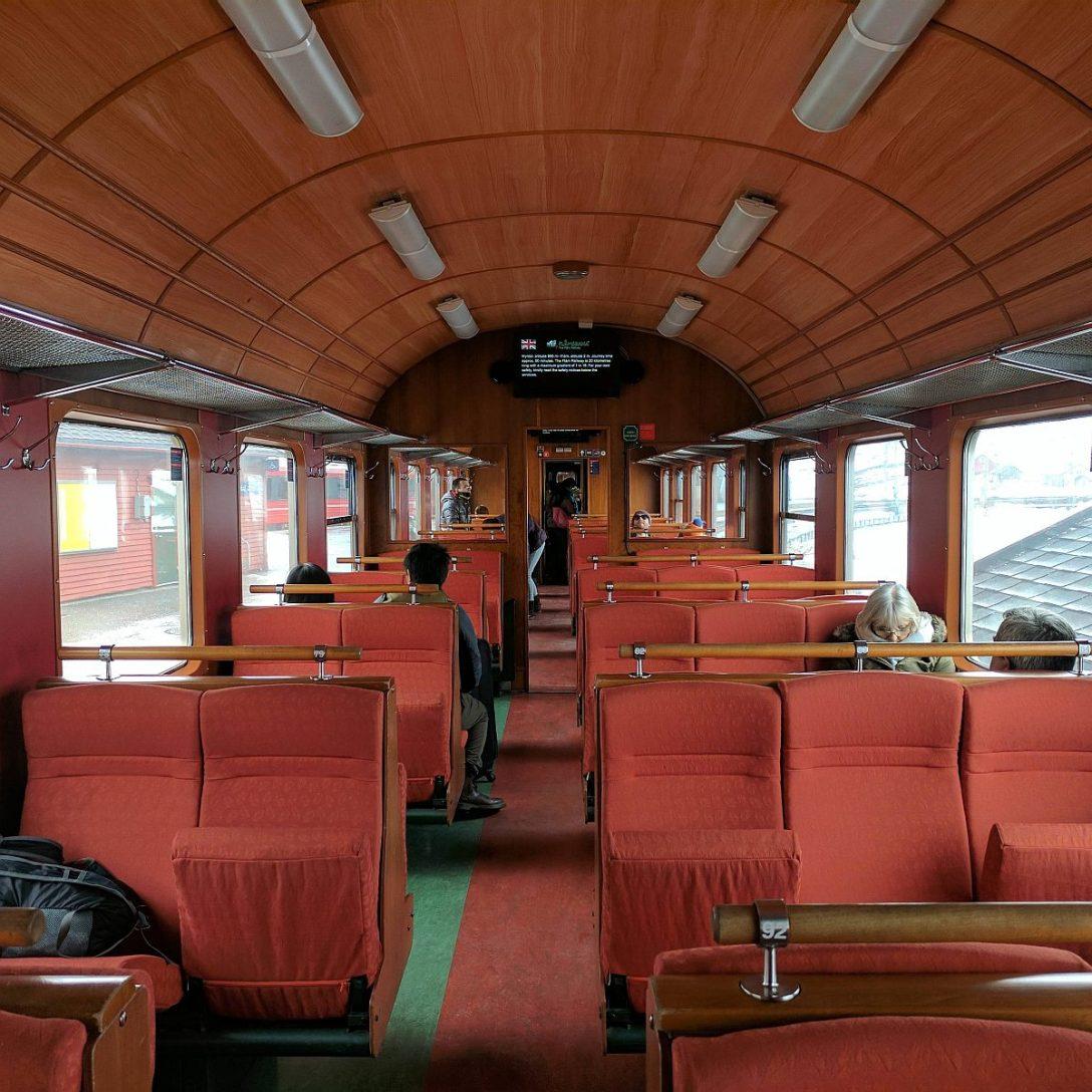 Pociąg w Norwegii (fot. asdlkfdjldsknlas)