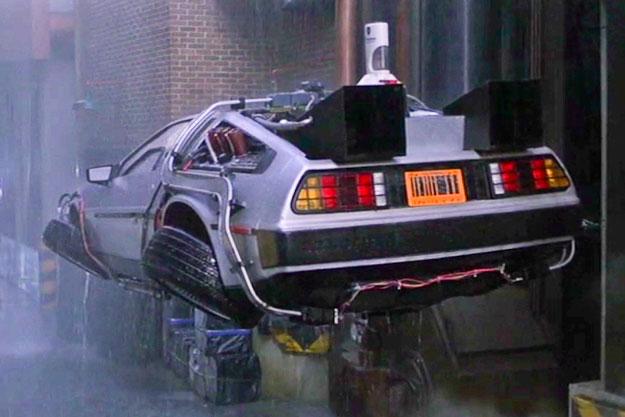 Latający samochód pojawił się w końcówce filmu - w części drugiej było ich od zatrzęsienia