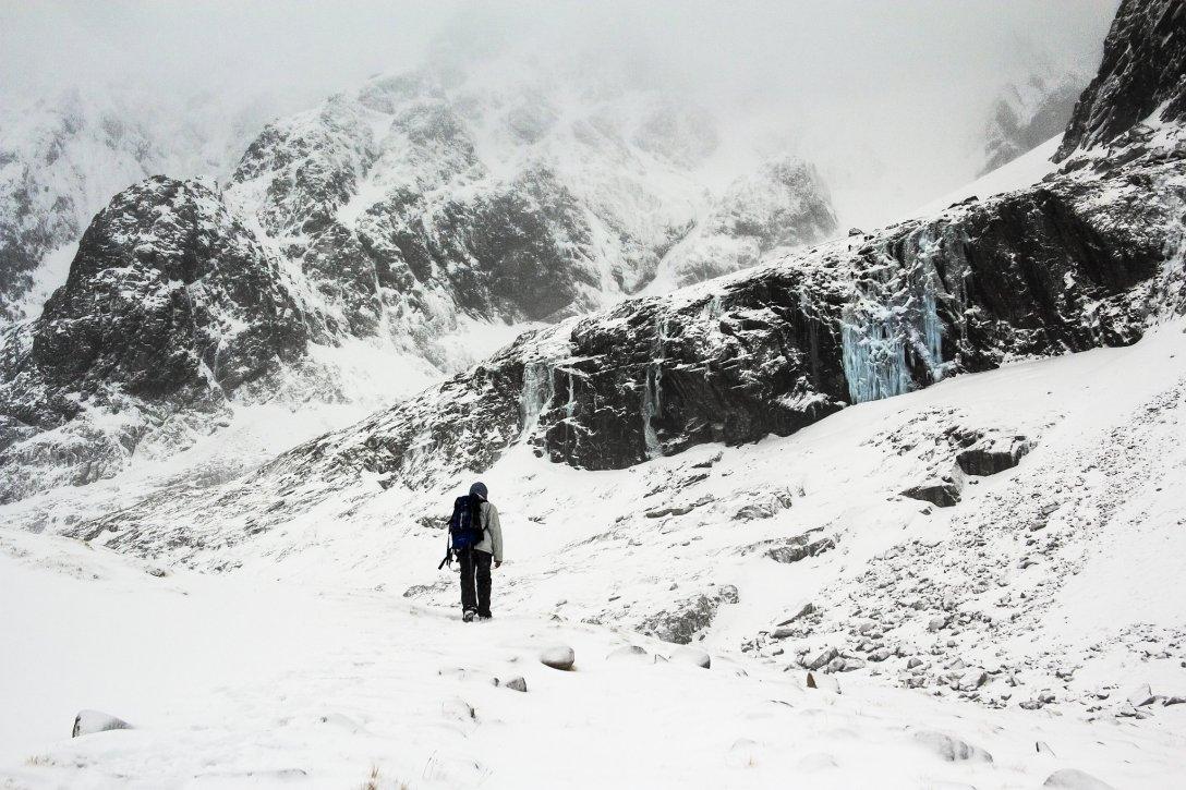 Wspinaczka na Ben Nevis, najwyższy szczyt Wysp Brytyjskich. (fot. Remigiusz Latek)