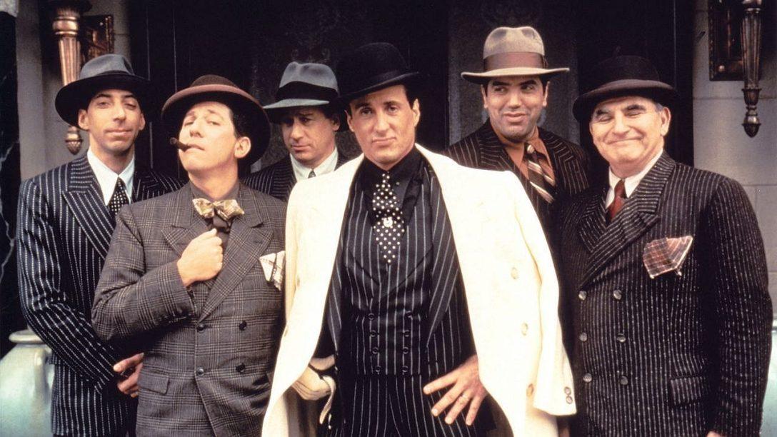 """Rok po premierze """"Ojca chrzestnego III"""" Stallone zagrał wreszcie włoskiego gangstera. I wszyscy wiemy jak to się skończyło."""