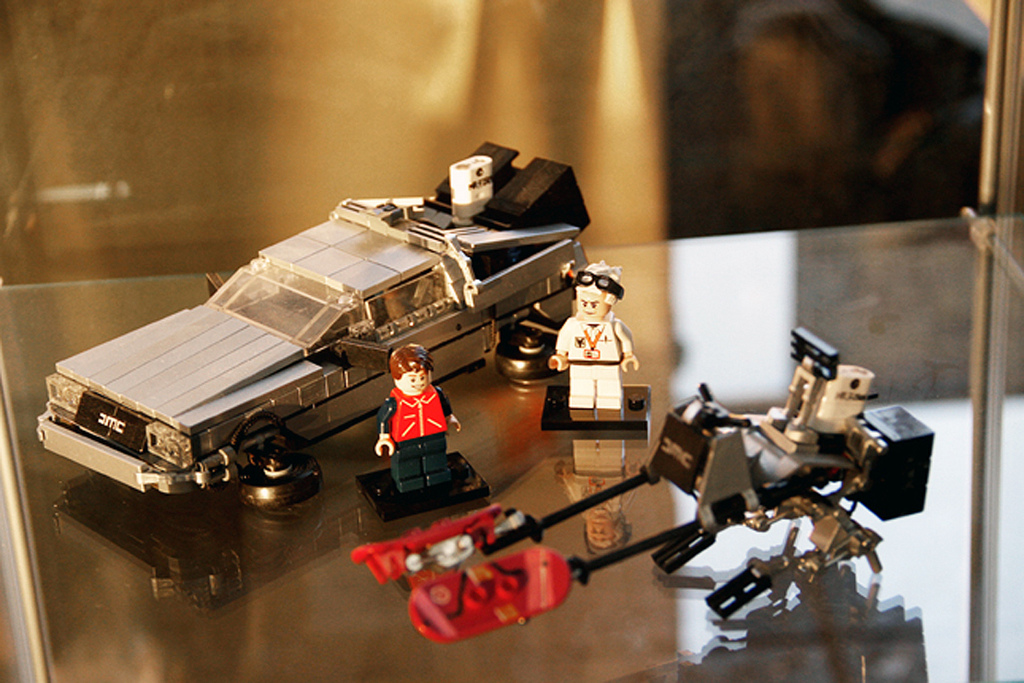 Back-to-the-Future-II-Lego-18