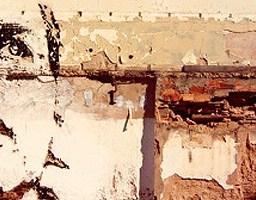 Wiertarka, dłuto i młot udarowy, czyli street art w tynku wydłubany