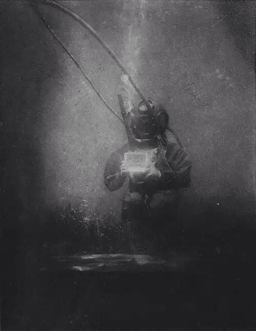 Pierwsze w historii zdjęcie podwodne powinno być tym ostatnim.