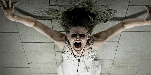 Nie bój się potworów - po prostu je wypatruj. Spójrz w lewo, spójrz w prawo, poszukaj pod łóżkiem, zerknij za kredens i do spiżarni, ale nie patrz w górę - ona nie znosi, gdy ktoś ją zauważa. [link do oryginału]