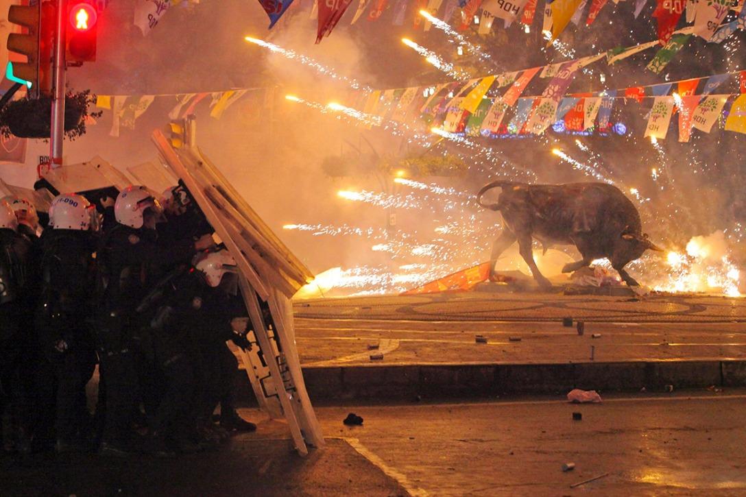 Turecka szarża. (fot. Reuters)