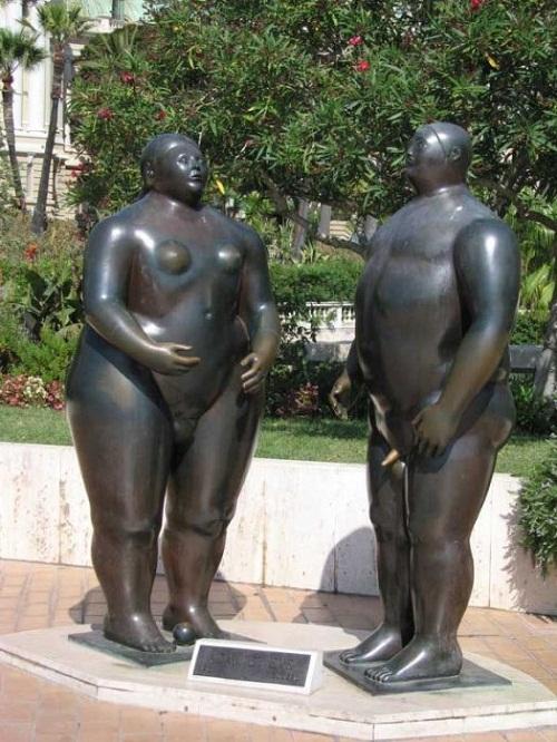 Adam i Ewa w Monte Carlo. Adam jakby popularniejszy.