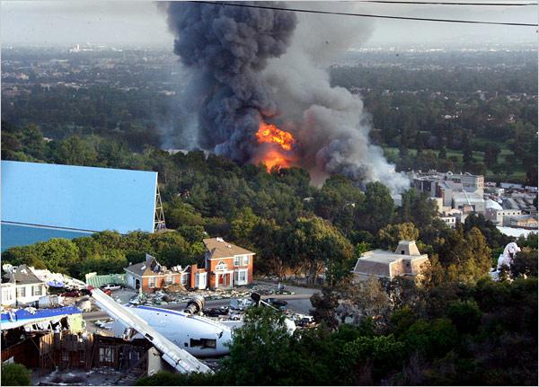 Pożar w Universal Studios (zdjęcie z New York Timesa)