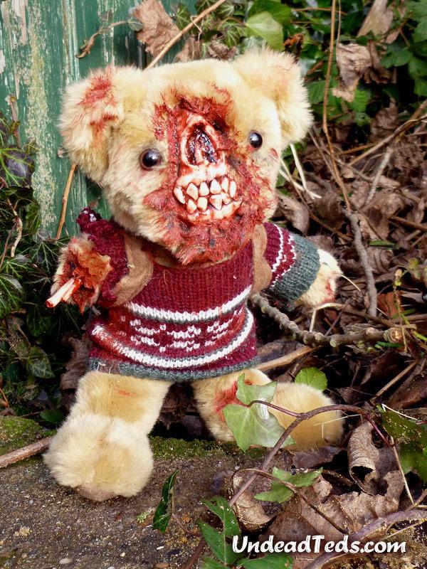 pluszowe-zombie-maskotki-krwawe-10