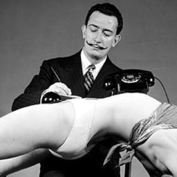 Salvador Dali nie lubił cycków, ale i tak projektował stroje kąpielowe